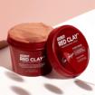Lemosható agyagmaszk 10,5% Amazon Red Clay™ komplex-sszel hatékonyan felszívja a felesleges faggyút, gátolja a bőr zsírosodását és csökkenti a póruso méretét. AHA és BHA-savakkal kiegészülve eltávolítja az elhalt hámsejteket, javítva a bőr textúráját.