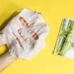 Segíti megőrizni a bőr rugalmasságát és visszaadni sima és puha tapintását.