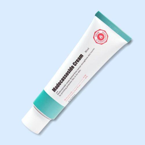 40% ázsiai gázló levélvízzel és 0,1% madecassoside-val készült hidratálókrém, mely nyugtatja az irritált és regenerálja a sérült bőrt. Niacinamiddal fokozza a bőr ragyogását, nagylevelű csodamogyóró kivonattal és panthenollal pedig hidratáltan és puhán ta