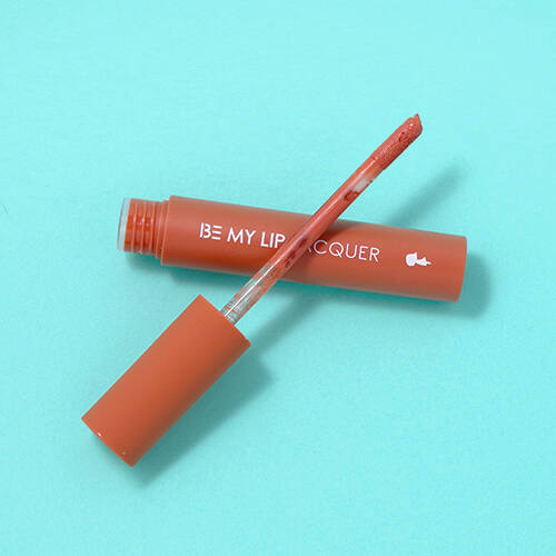 Be My Lip Lacquer ajakrúzs 4g - Nudy Beige