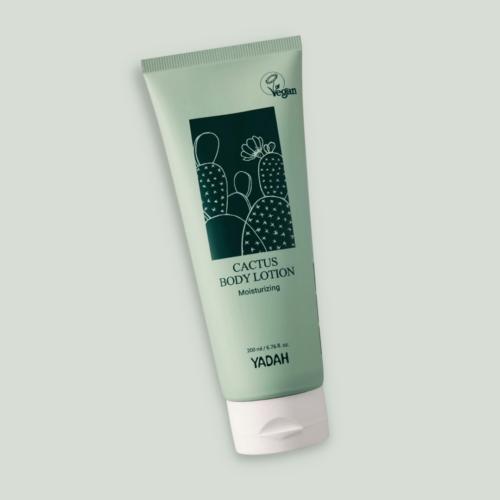 16 biztonságos,EWG zöld besorolású összetevőből álló hidratáló testápoló a száraz bőr ápolására.Főbb összetevői a fügekaktusz-kivonat, a sheavaj, a szőlőmagolaj, az olívaolaj és a levendulaolaj.